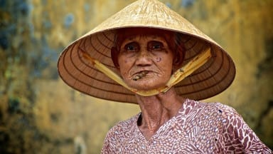 "Photographer of the Day: Steve Lavelle ""Vietnamese Lady"""