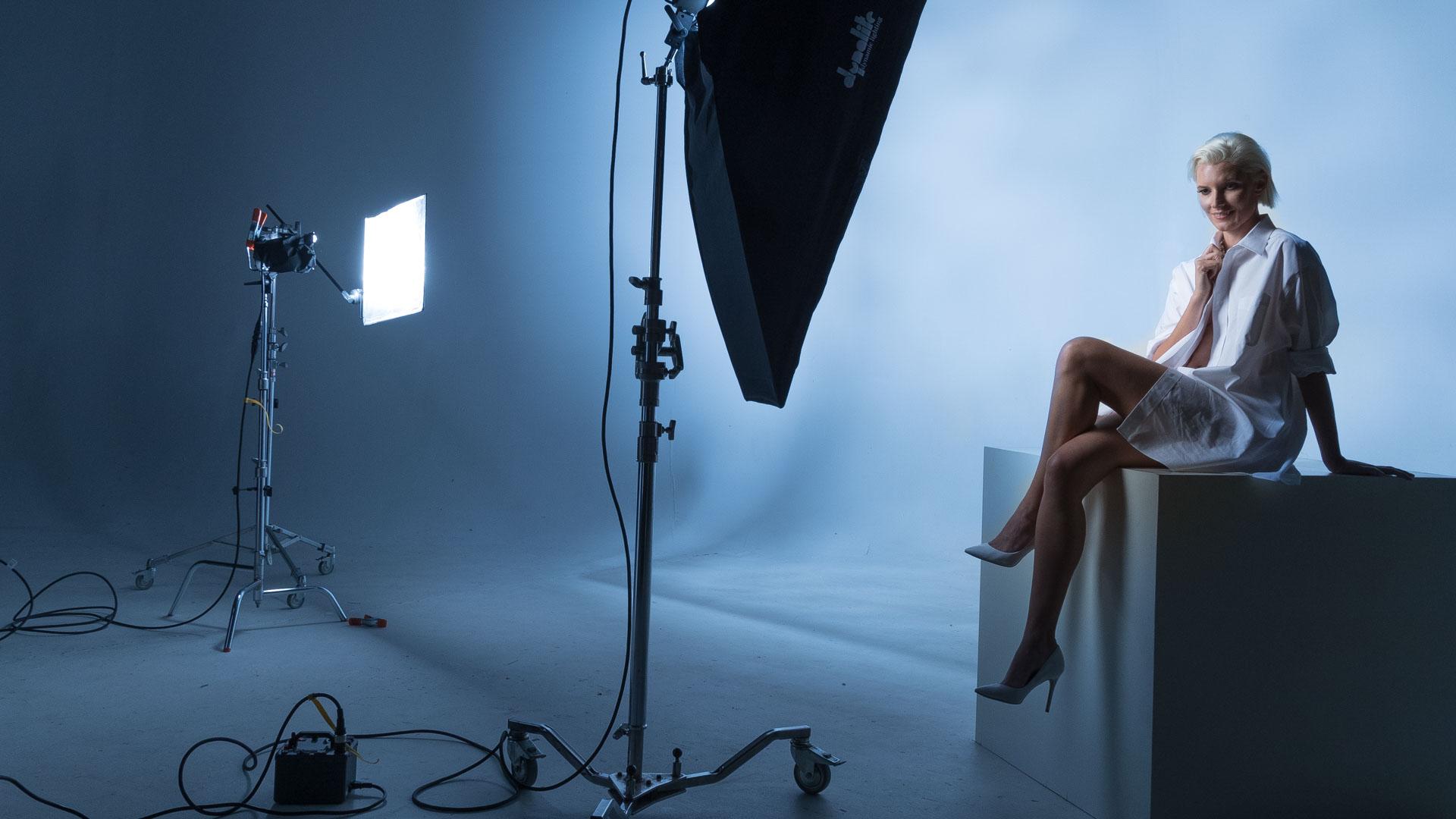 Vanessa poses at Kevin's studio