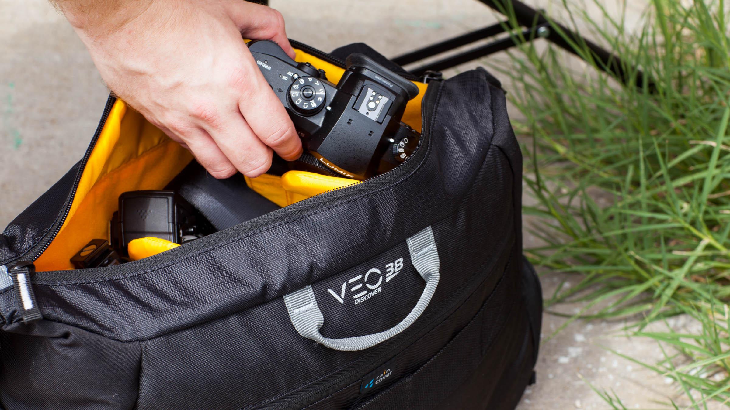 Veo Discover 38 Messenger Bag