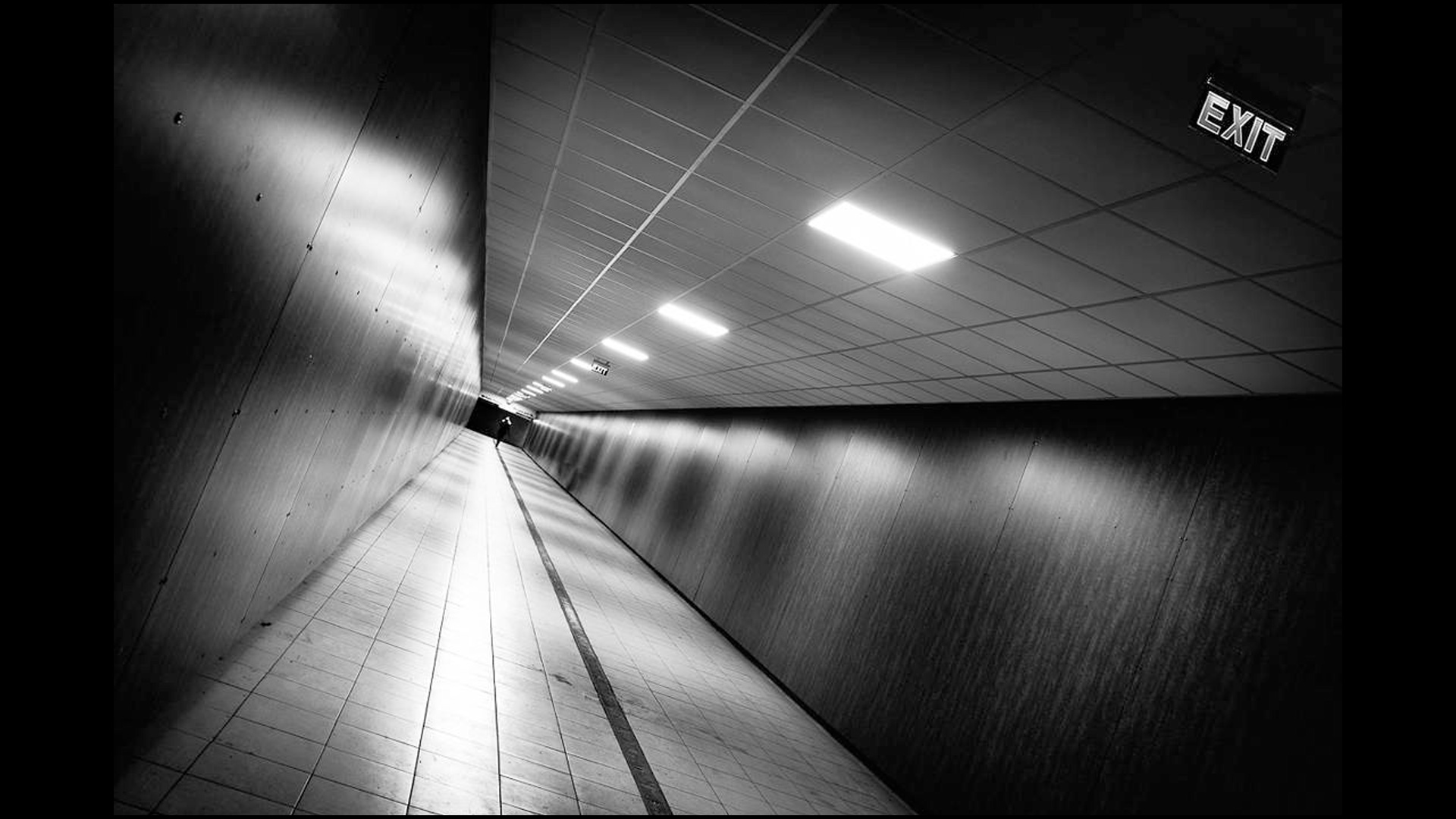 POTD-Street-Exit-by-Pierre-Pichot