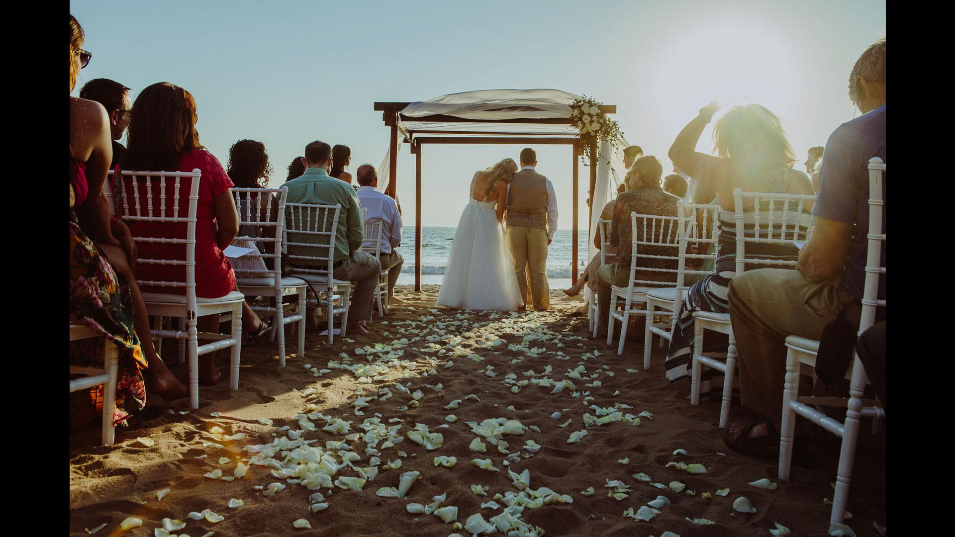 Weddings | Photographer: Raul Perez AmezquitaCurator: Bryan Esler