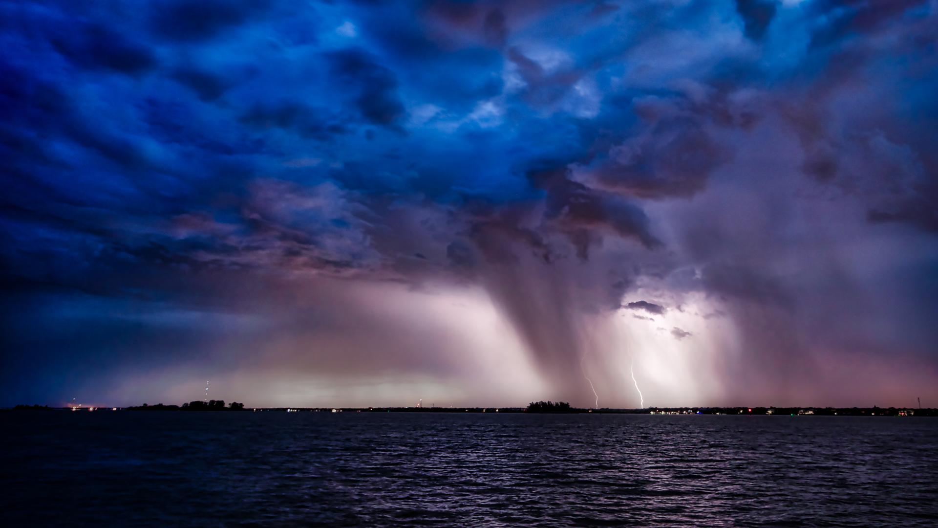 FEATURED-lightning-jhahn