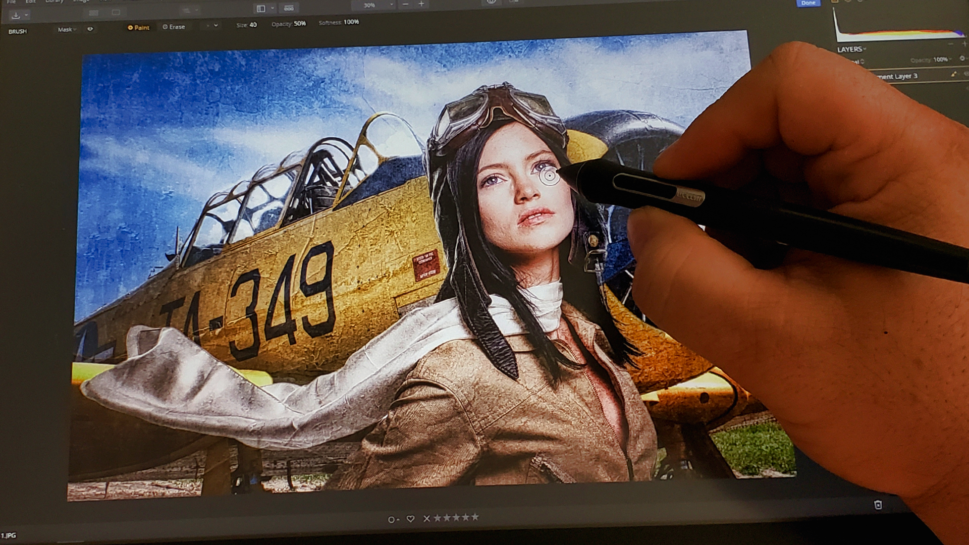 Photographer uses Wacom Cintiq