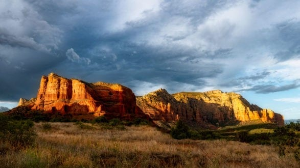 courthouse_butte_forced_perspective_P1233525_art_2560p