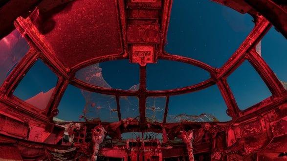 5923_kenlee_eaglefield_200208_2205_1mf8iso200_cockpit-red-fisheye_PHOTOFOCUS-header-2560X1440px