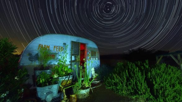 6181_kenlee_2017-05-28_2241_pioneertown-3mf8iso500-3hr6mintotal-farmfeed-lightpainting-startrails-gap_filling-cropped-left-side-slightly-flat