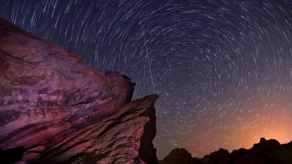 startrails-kenlee_vasquezrockseaster-2014-_DSC0103kenlee_vasquezrocks2014-31min-30sf32iso1600-meteor-PHOTOFOCUS-HEADER-2560x1440px-200811