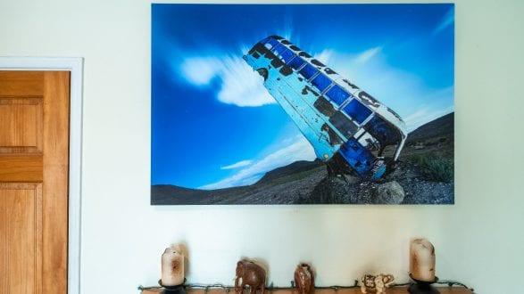 2799_kenlee_XPozer-printing-framing_201025_1518_¹⁄₂₅₀-sec-at f5.6_ISO-3200_room-photo-hanging-on-wall Photofocus header