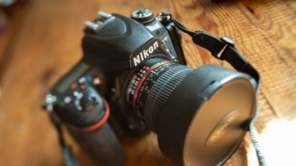 IMGP2912_kenlee_photos-of-used-camera-equipment-for-photofocus-article_201105_1553_¹⁄₅₀ sec_ISO 1600_blur-tilt-shift_2560x1440px Photofocus HEADER