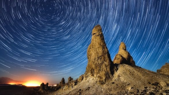 Photofocus-Header-Ken-Lee-trona-glow-star-trails-42585874_2020-07-09-remix-2560x1440px