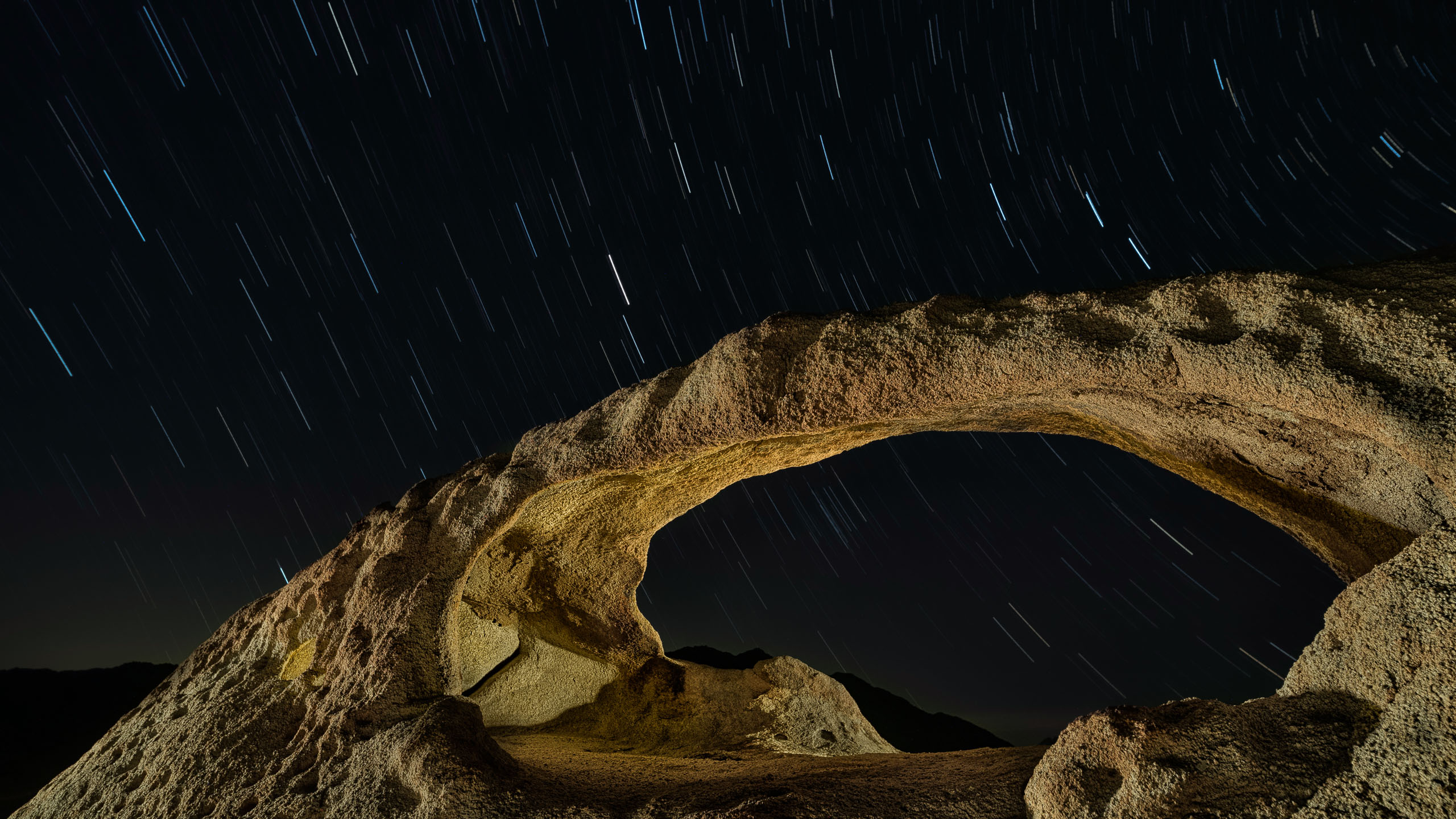 6364_kenlee_ojo-oro-arch_200517_0246_21mtotal_each3mf63iso400__backside-startrails_PHOTOFOCUS HEADER