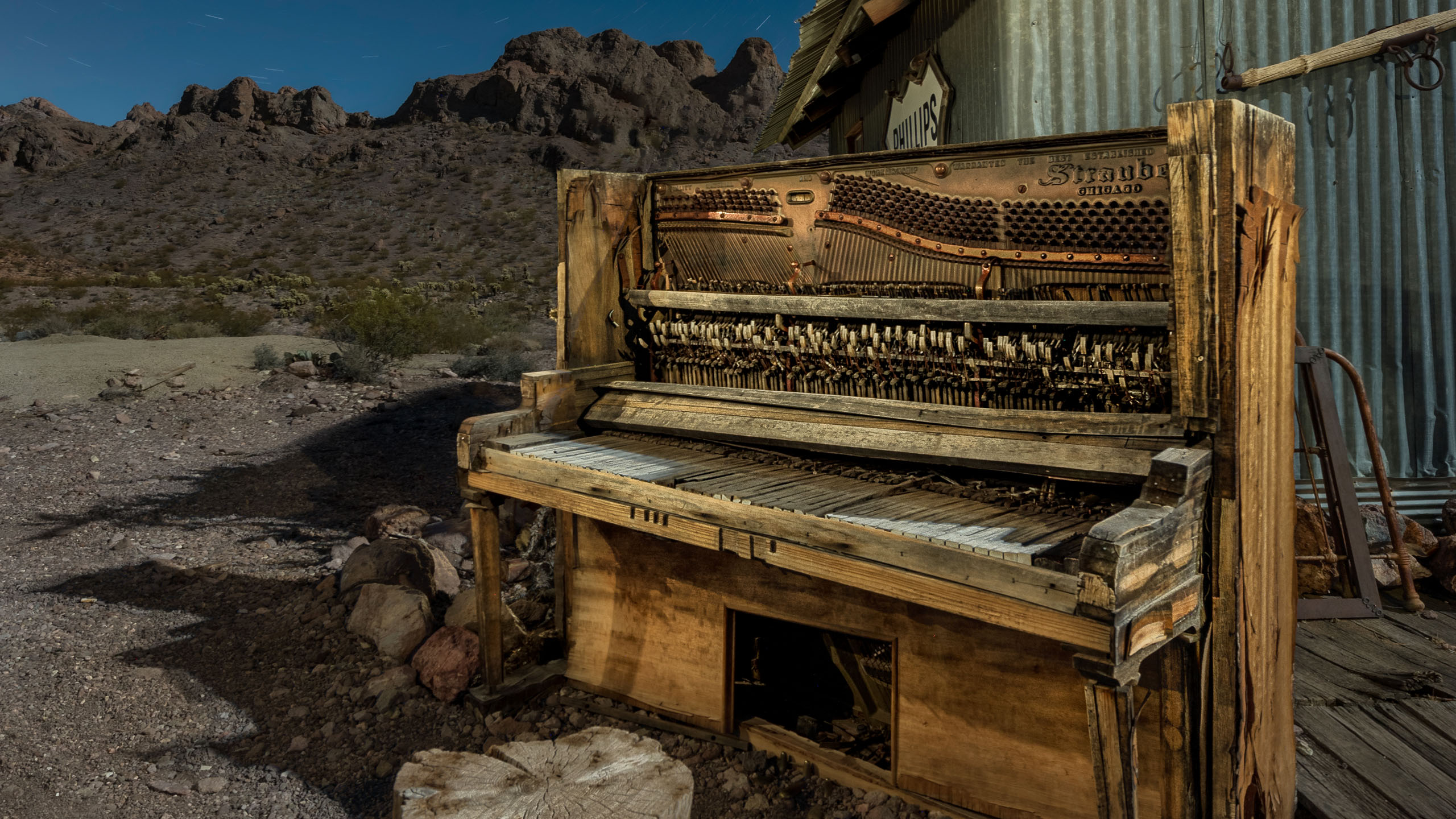 4890_kenlee_october2019trip_191010_1958_6mtotal-3mf8iso320_nelson-piano_photofocus header 2560x1440px