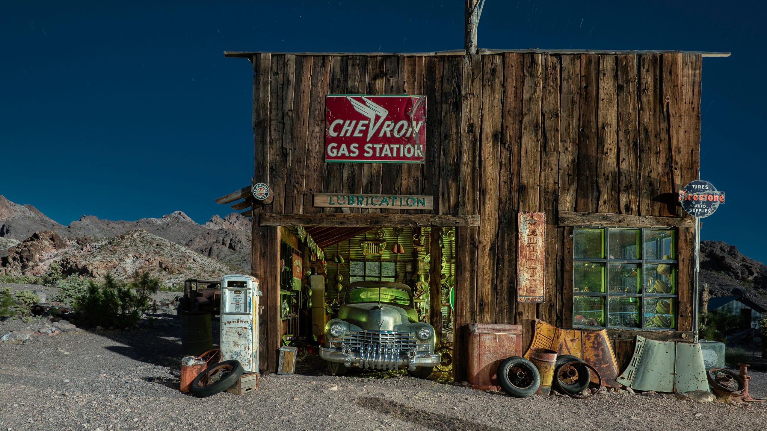 4104_kenlee_arizona-and-nevada_190715_2117_396sf8iso200_nelson-garage-front-HEADER-PHOTOFOCUS