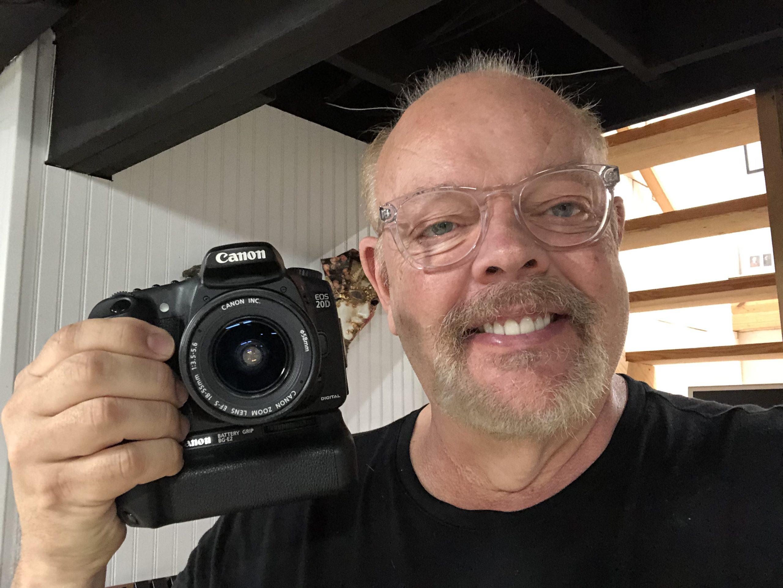 Kevin Ames with his Canon 20D and kit lens