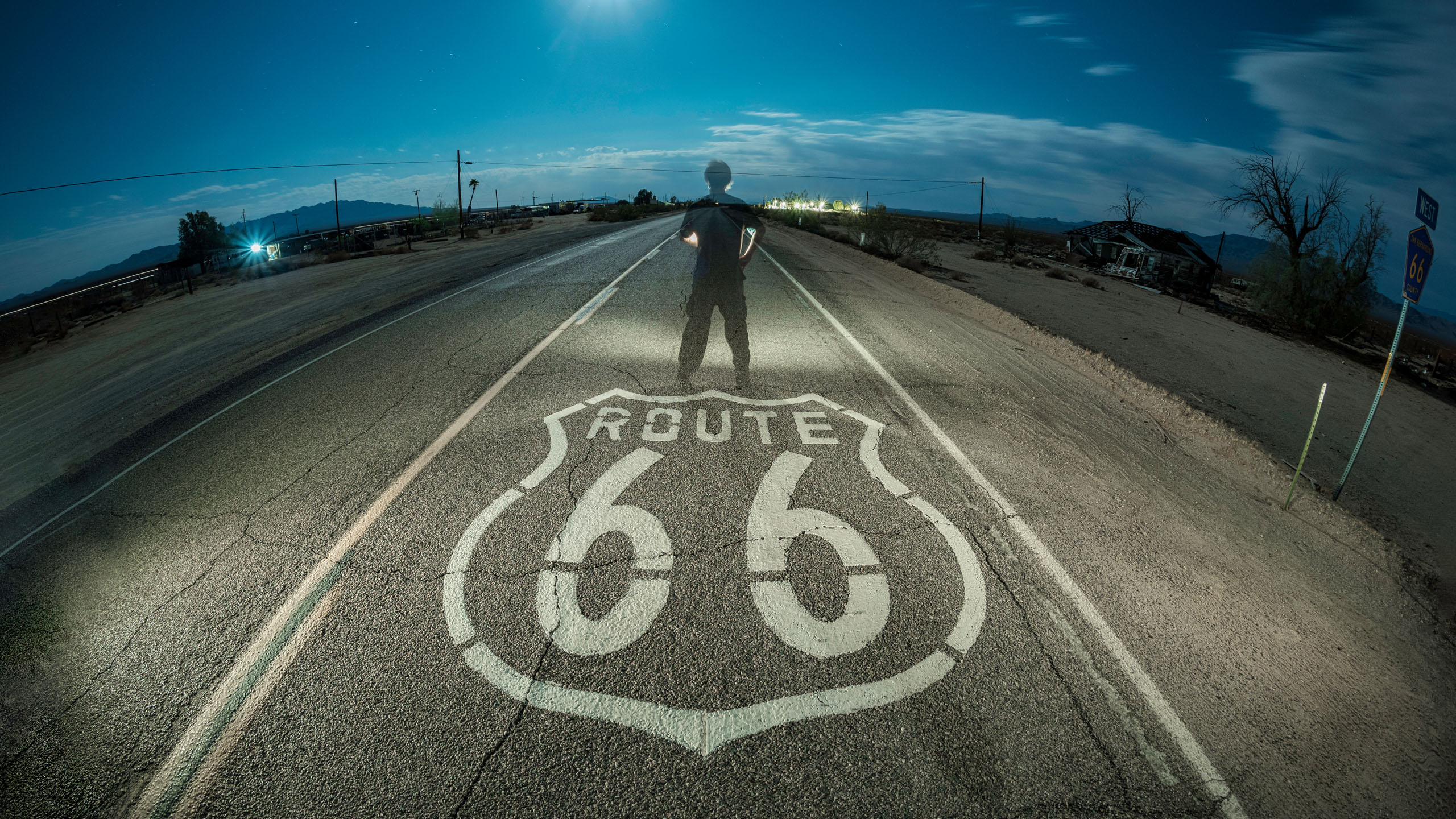 8016_kenlee_route66-mojave_210623_0057_70sf8iso320_essex_route66sign-road_HEADER-ROUTE-66-PHOTOFOCUS