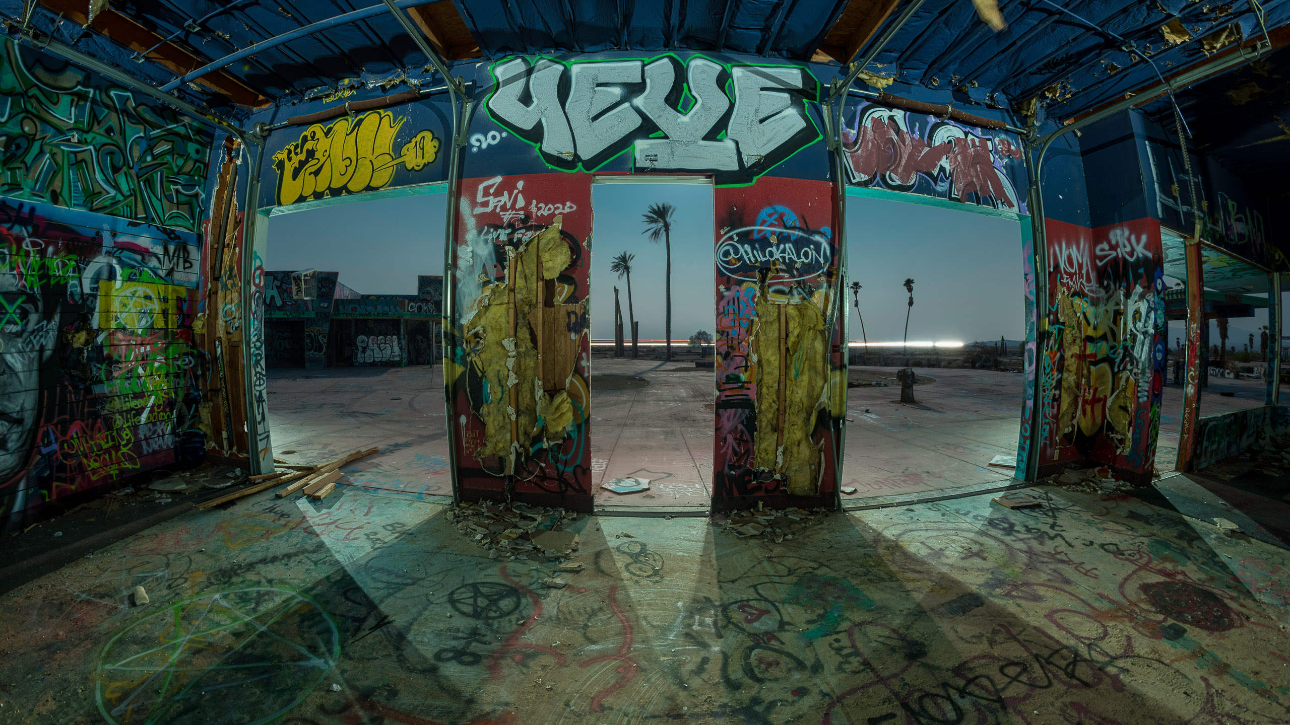 9623_kenlee_lake-dolores-waterpark_210820_0028_220sf8iso200_D750_gift-shop-interior-shadows-2560x1440px-HEADER
