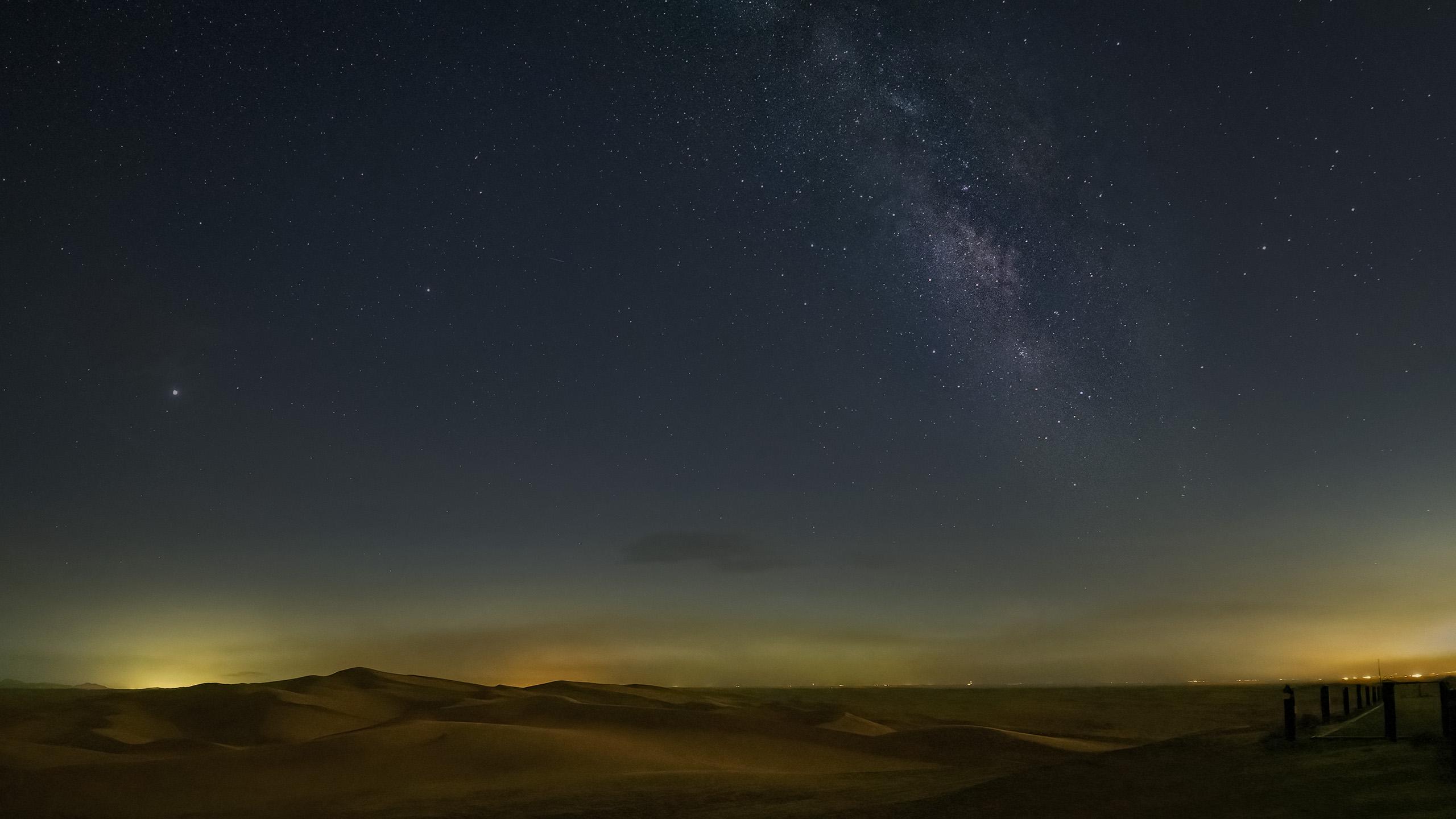 imperial_MW_sky_desert_P8120880_2560p