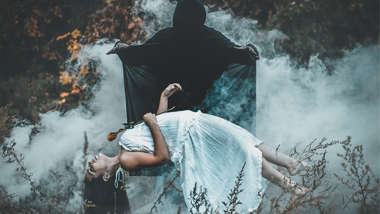 6 SPOOKY photo IDEAS in MONTREAL - youtube